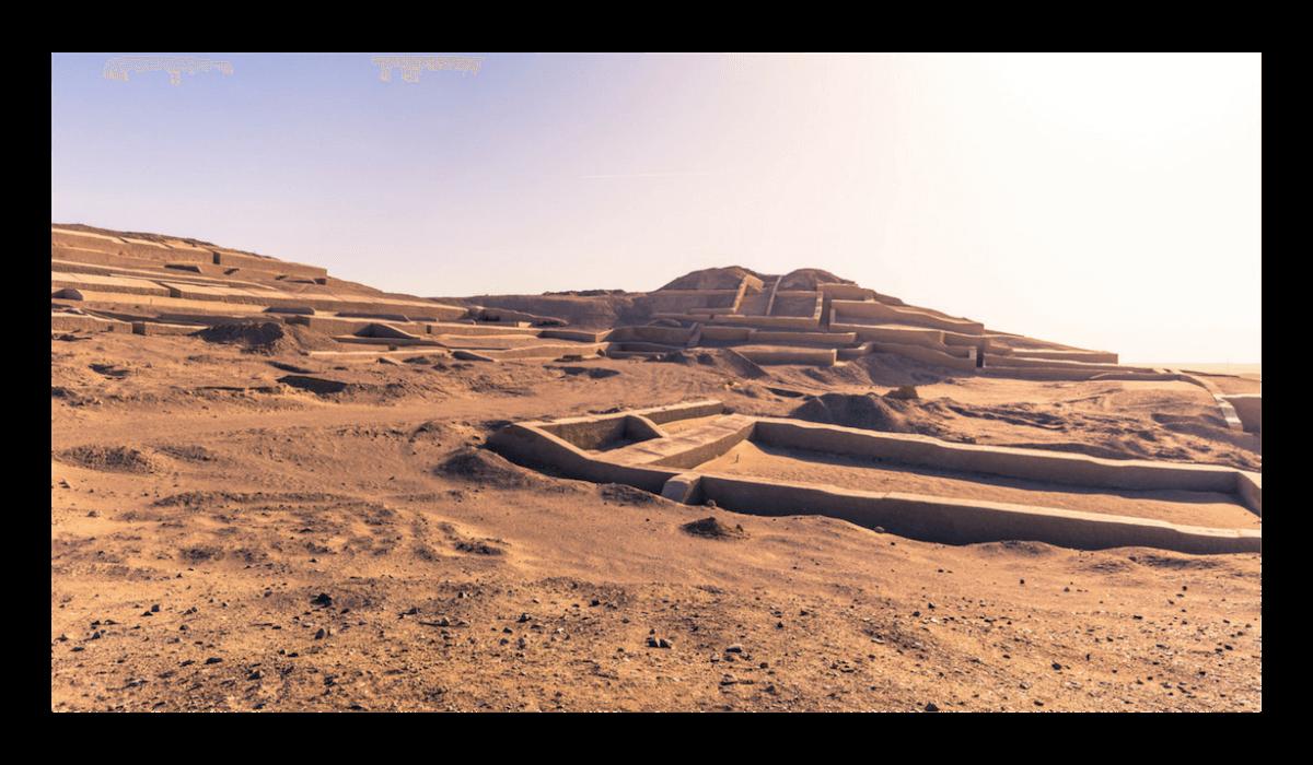 Pyramids of Cahuachi Tour