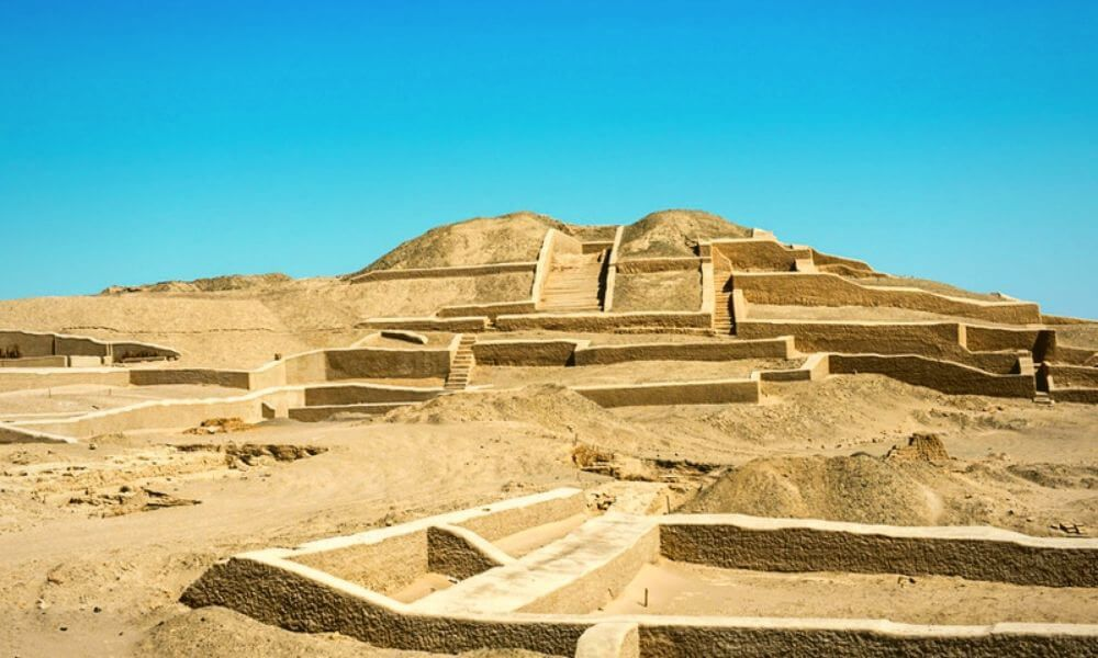 Tour Pyramids of Cahuachi